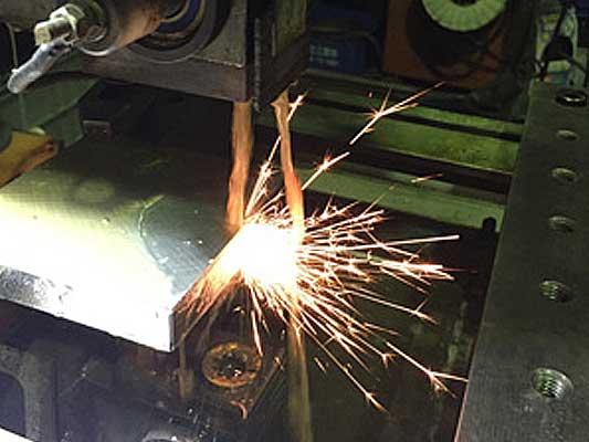 チャレンジ イセ工業|パイプ加工、試作、端末加工